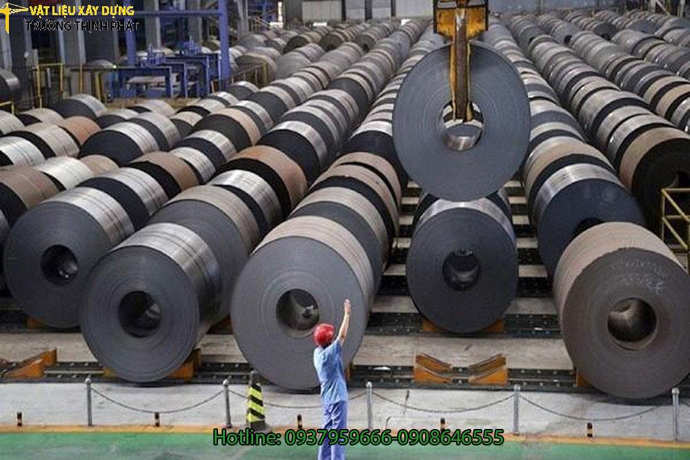 Thép giá rẻ Trung Quốc vào Việt Nam và các nước ASEAN tăng đột biến